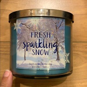 Bath and Body Works Fresh Sparkling Snow Candle